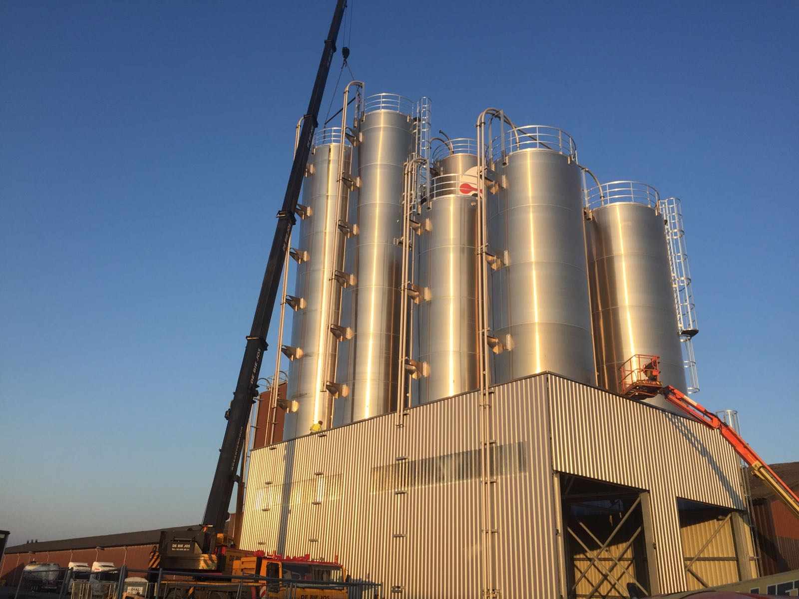 storage capacity 70.000 m2